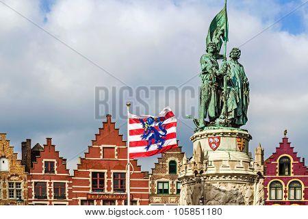 Statue Of Jan Breydel And Pieter De Coninck. Bruges,belgium