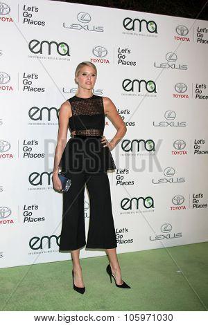 LOS ANGELES - OCT 24:  Sarah Wright Olsen at the Environmental Media Awards 2015 at the Warner Brothers Studio Lot on October 24, 2015 in Burbank, CA