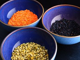 Blue Ingredient bowls with red and green lentils and black rice