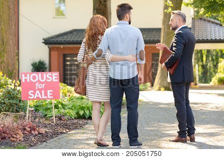 Real Estate Broker And Clients