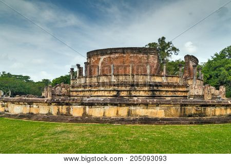 Polonnaruwa Vatadage Ruins In Polonnaruwa City Temple Unesco