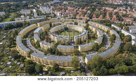 Apartment houses in concentric circles, built in the late 1920s. Streets named after characters from he Song of the Nibelungs.