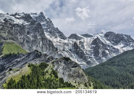 Detail image of La Meije mountain (3984 m) located in Massif des Ecrins in France.