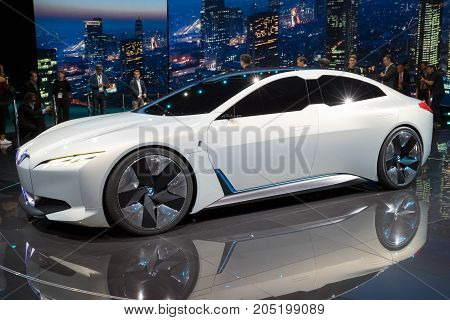 Bmw Ivision Dynamics Electric Car
