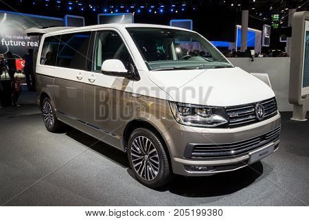 Volkswagen Multivan Van