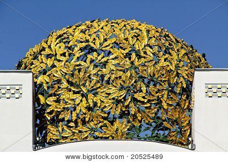 Golden Laurel Cupola
