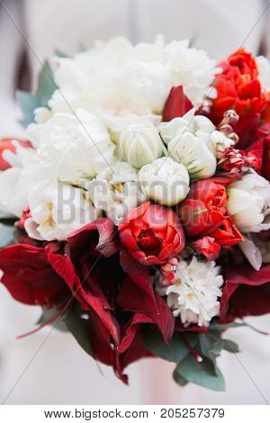 red and white wedding bouquet, wedding flowers close-up