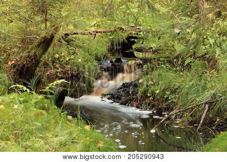 the flow stream cascade water long exposure