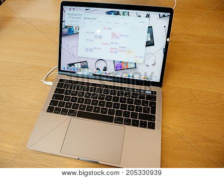 New Aapple Macbook Pro Laptop