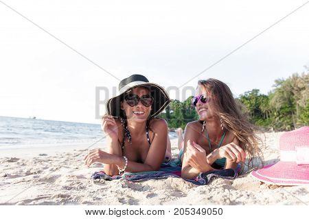 Women In Sunhats