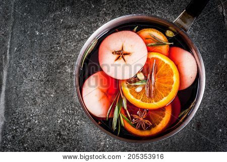 Hot Winter Mulled Wine