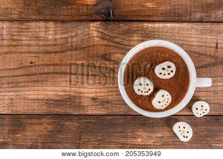 Hot Chocolate With Marshmallow Snowmen