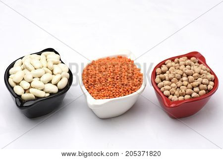 beans chickpeas grams with the white backgrounds