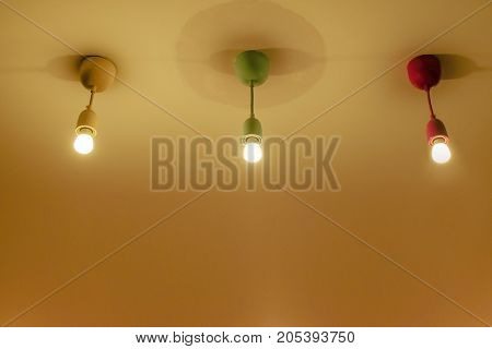 3 lamp hanging on celling. 3 lamb and 3 color.