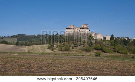 This fascinating residence of the 15th century arises abothe the hills of Parma fiftheen minutes south from the emilian city. Torrechiara castle is one of the well preserved buildings of the epoque. Initially wal builded as a defence strutrure and then as