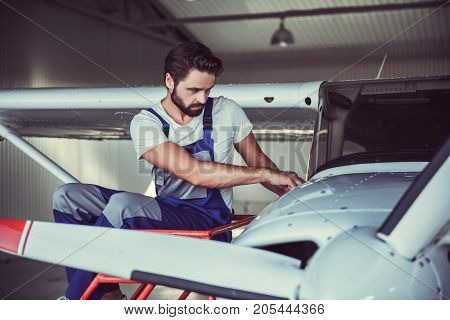 Mechanic And Aircraft