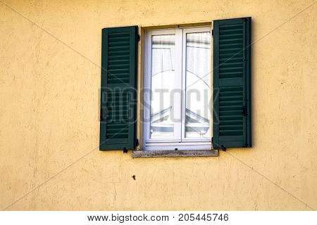 Shutter Europe  Italy  Lombardy       The Milano Old   Window Closed Tent