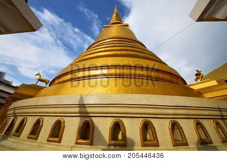 Thailand Bangkok Abstract Cross  L Gold  The Temple  Roof Window