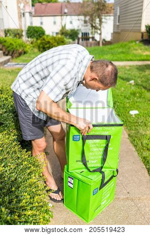 Fairfax, Usa - September 12, 2017: Amazon Fresh Insulated Grocery Delivery Bags Totes On Front House