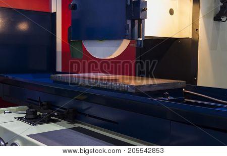 high precision horizontal grinding CNC machine;side view