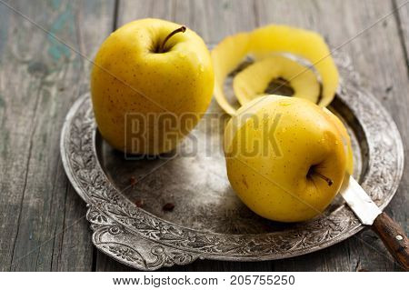 Purified skin from a large yellow ecologic apple