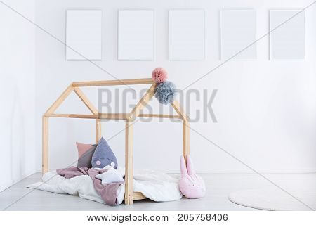 Kid's Bedroom With Pastel Pillows