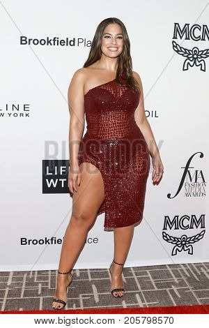 NEW YORK-SEPT 08: Model Ashley Graham attends Daily Front Row's Fashion Media Awards at Four Seasons Hotel New York Downtown on September 8, 2017 in New York City.