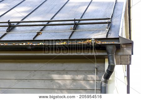 Gutter Cleaning Images Illustrations Vectors Gutter Cleaning Stock Photos Images Bigstock