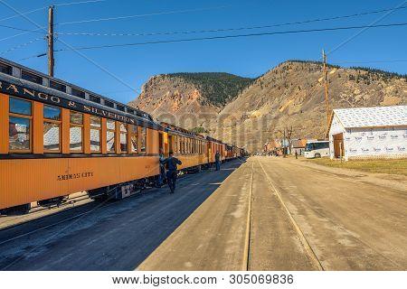 Silverton, Colorado, Usa - October 15, 2018 : People Getting Of The Durango To Silverton Narrow Gaug