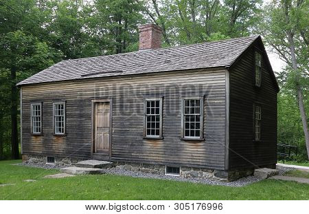 The Robbins House In Minute Man National Historical Park Near Concord, Massachusetts - Historical Ho