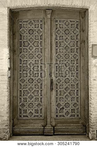 Old Wooden Entrance Door In Toledo, Spain