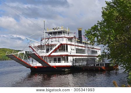 Stillwater, Minnesota, May 24, 2019:  The Avalon, Large Paddleboat On The Midwest Is Operated By St.