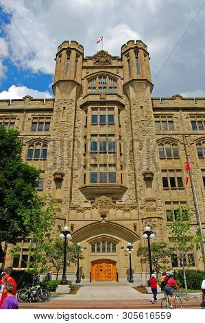 Ottawa, Canada - July 1, 2009: Connaught Building Is A National Historic Site Built In 1913 With Tud