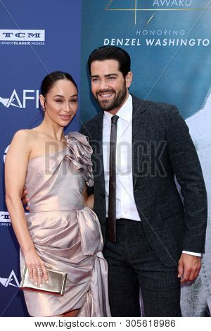 LOS ANGELES - JUN 6:  Cara Santana, Jesse Metcalfe at the  AFI Honors Denzel Washington at the Dolby Theater on June 6, 2019 in Los Angeles, CA