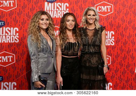 NASHVILLE - JUN 5: (L-R) Hannah Mulholland, Naomi Cooke and Jennifer Wayne of Runaway June attend the 2019 CMT Music Awards at the Bridgestone Arena on June 5, 2019 in Nashville, Tennessee.
