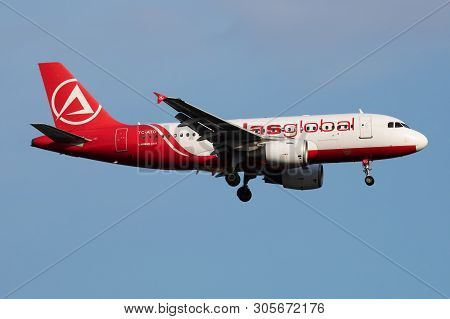 Istanbul / Turkey - March 28, 2019: Atlasglobal Airbus A319 Tc-atd Passenger Plane Landing At Istanb