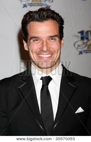 LOS ANGELES - FEB 26:  Antonio Sabato Jr. arrives at the