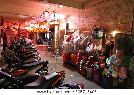 Keelung, Taiwan - November 22, 2018: Night Alley In Keelung, Taiwan. Keelung Is The 9th Most Populou