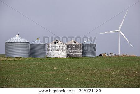 Prairie Wind Farm In Saskatchewan Canada Turbine