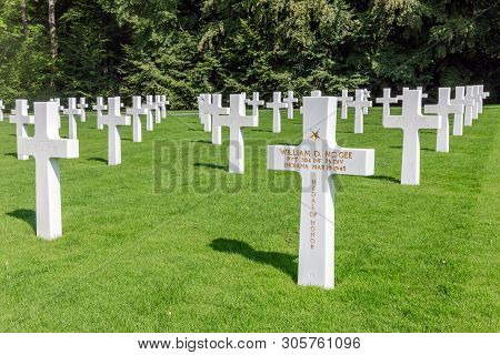 Hamm Near Luxembourg City, Luxembourg - August 22, 2018: American Ww2 Cemetery With Headstones Of 50