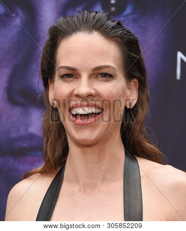 LOS ANGELES - JUN 06:  Hilary Swank arrives for the Netflix 'I Am Mother' Special Screening on June 06, 2019 in Hollywood, CA