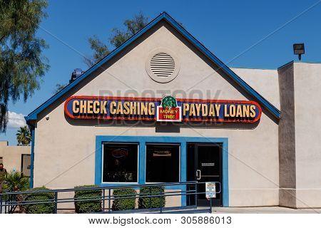 Las Vegas - Circa June 2019: Money Tree Check Cashing And Payday Loan Location. Money Tree Offers Pa
