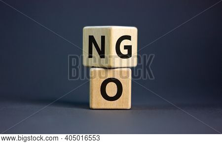 No Or Go Symbol. Turned A Cube, Changed The Word 'no' To 'go'. Beautiful Grey Background. Copy Space