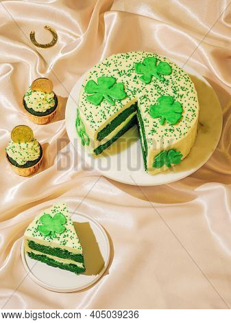 St Patricks Day Sweet Food Concept. Sweet Desserts For Saint Patricks Day Party - Cake Decorated Sha