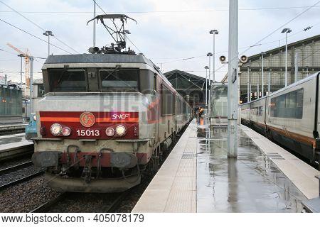 Paris, France - January 2, 2007: Passenger Train Corail Intercites Ready For Departure In Paris Gare