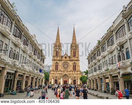 Guangzhou/china-25 Aug 2019:tourist Take Photo With Sacred Heart Cathedral At Guangzhou China.the Sa