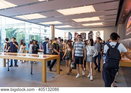 Hong Kong, China - October 6, 2018: Customers At Flagship Apple Store In Hong Kong. Chain Of Retail