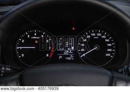 Novosibirsk, Russia - January 14 2021: Hyundai Creta,round Speedometer, Odometer With A Range Of 14