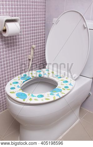 Colorful Toilet Bowl Seat Cover, Clean And Soft In Restroom