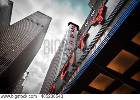 Manhattan, New York City, Ny, United States - August 09, 2007: Radio City Music Hall Entrance And Ne